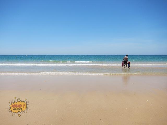 La hermosa playa de Cabanas. Tranquila y perfecta para ir con niños