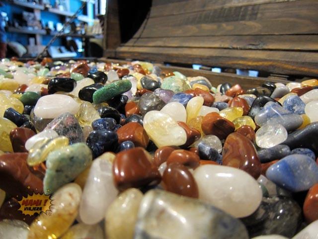 Piedras semi preciosas en la tienda del museo